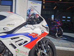 Motos Knuesel BMW S 1000 RR Racing 2.jpg