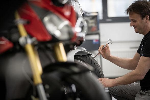 BMW Motorrad Feriencheck. Frühlingscheck für BMW Motorräder. Sommercheck Motorräder bei Motos Knüsel