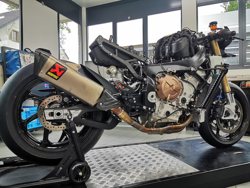 Motos Knuesel BMW S1000RR Racing Umbau A