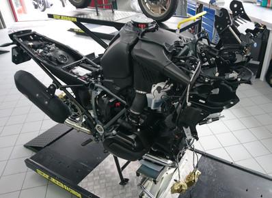 Motos Knuesel BMW R 1200 GS Umbau 3.JPG