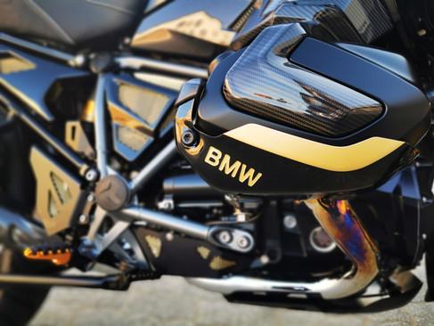 Motos Knuesel BMW R 1250 GS Umbau 16.jpg