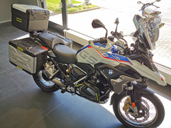 Motos Knuesel BMW R 1250 GS Umbau 24.jpg