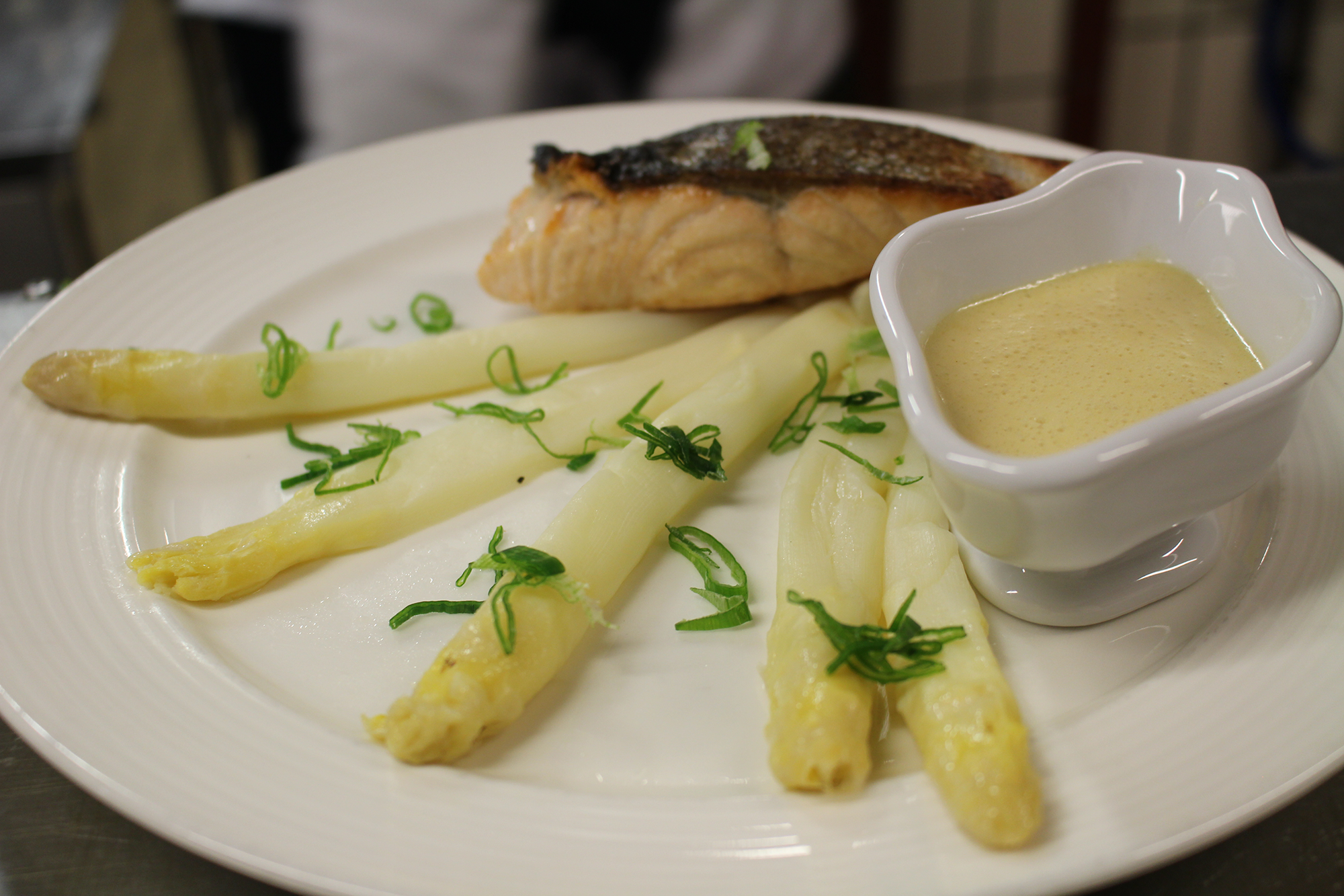 Saumon asperges blanches