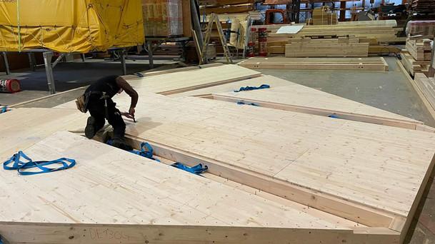 Holzelementproduktion bei Josef Lehmann Holzbau AG