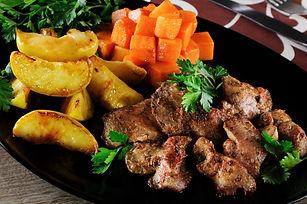 fried-chicken-liver-with-vegetable-garni