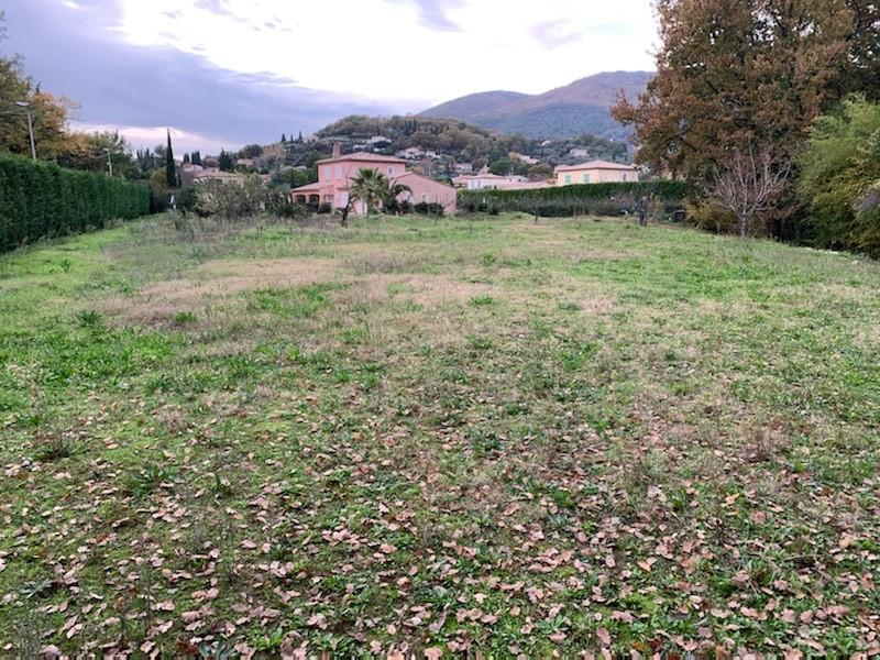 Terrain à batir à Châteauneuf-Grasse