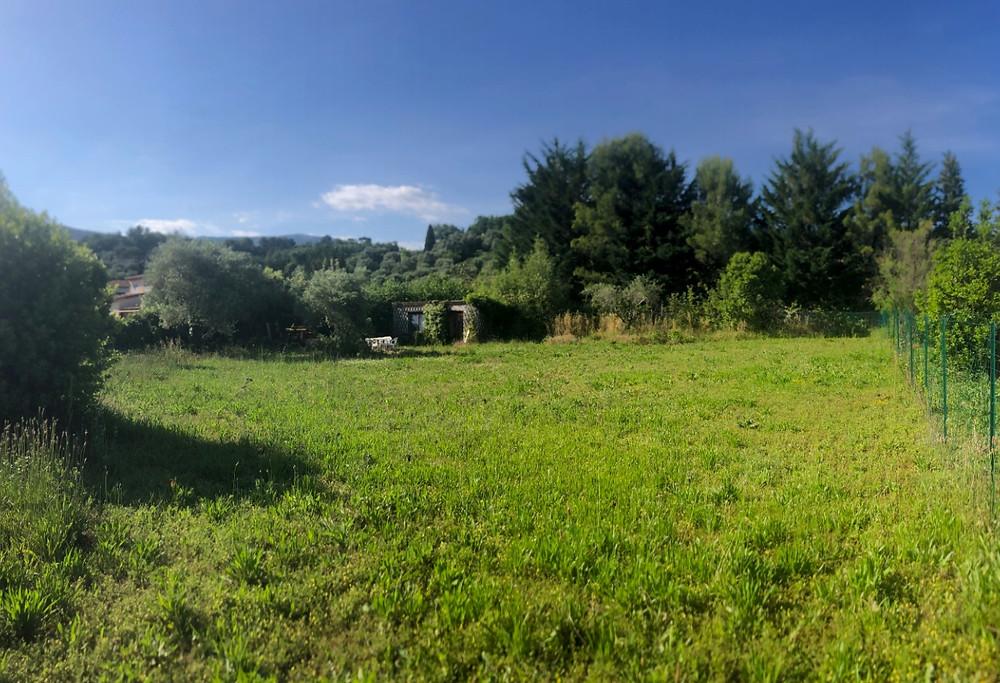 terrain plat et ensoleillé chateauneuf grasse