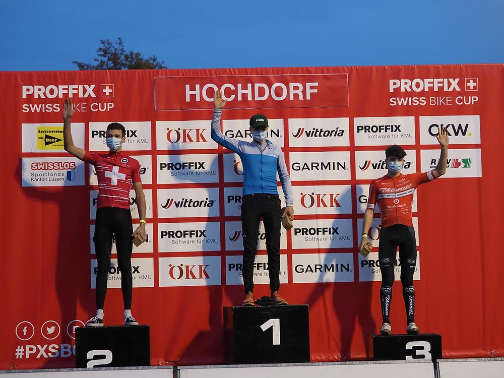 Romano Püntener zeigte eine starke Saison mit zwei Siegen und je einem zweiten und dritten Rang, womit er die Gesamtwertung für sich entscheidet. Bilder: rvs