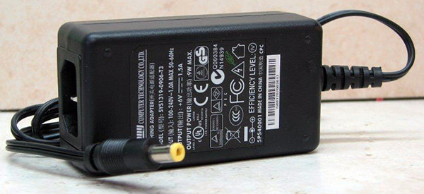 ספק ממותג שולחני ללא כבל זינה 6V 1.5A