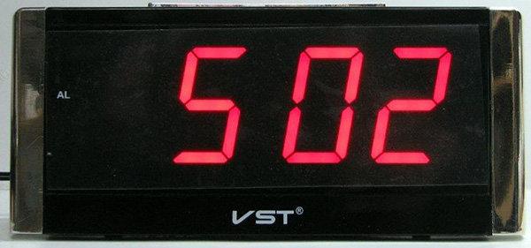 שעון חשמל ספרות 1.8 אינץ