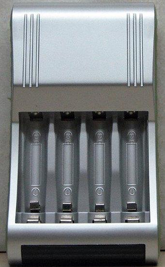 מטען להטענת סוללות AA, AAA NiMH ואלקליין 4190
