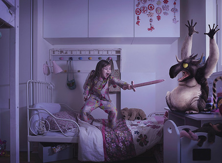 Egy ágyban az ellenséggel. Esti mesék alkohollal, Gestapóval és a halállal