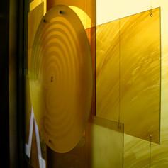 vielschichtige Glasfenstergestaltung
