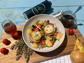 Salade aux poires caramélisées et toasts de chèvre chaud
