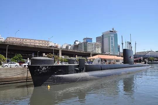 Espaço Cultural da Marinha, com o Elevado da Perimetral ainda de pé ao fundo