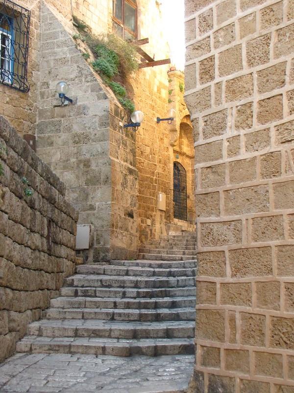 Rua milenar preservada em Jaffa, Israel
