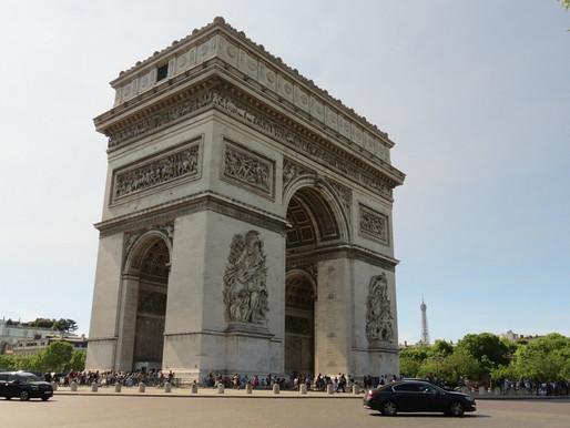 """Coluna """"Turismo"""": França (Paris)"""