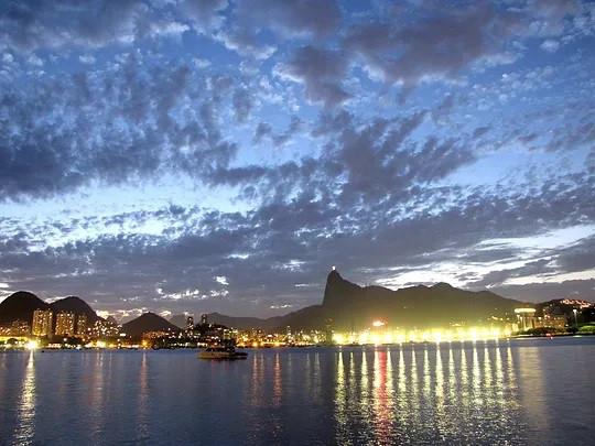 Corcovado e Enseada de Botafogo vistos da Urca