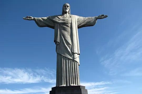 Estátua do Cristo Redentor, no alto do Corcovado