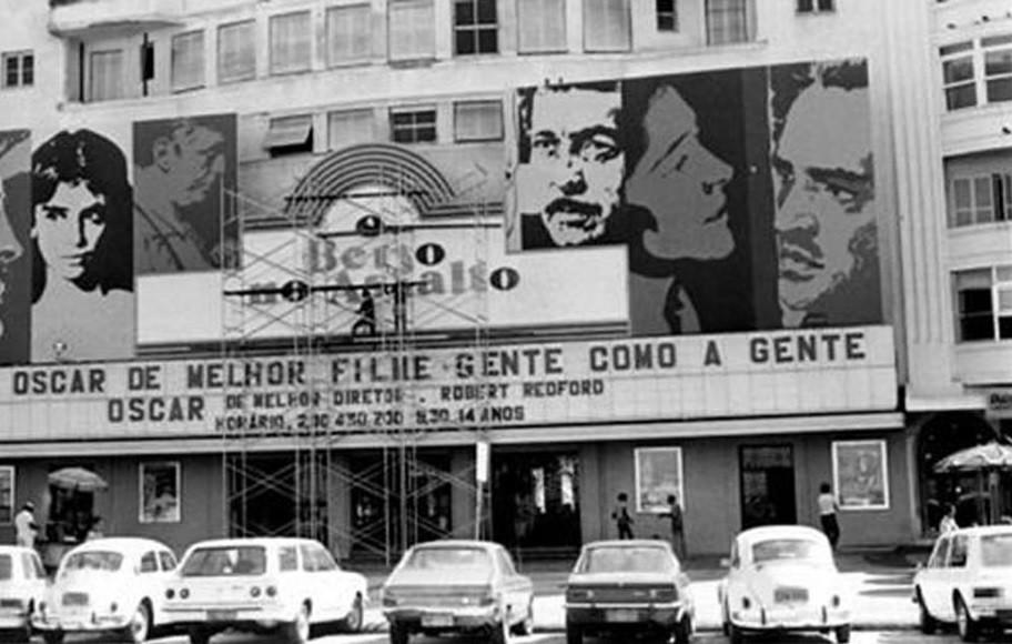 Fachada do Cine Rian, na Avenida Atlântica, em Copacabana