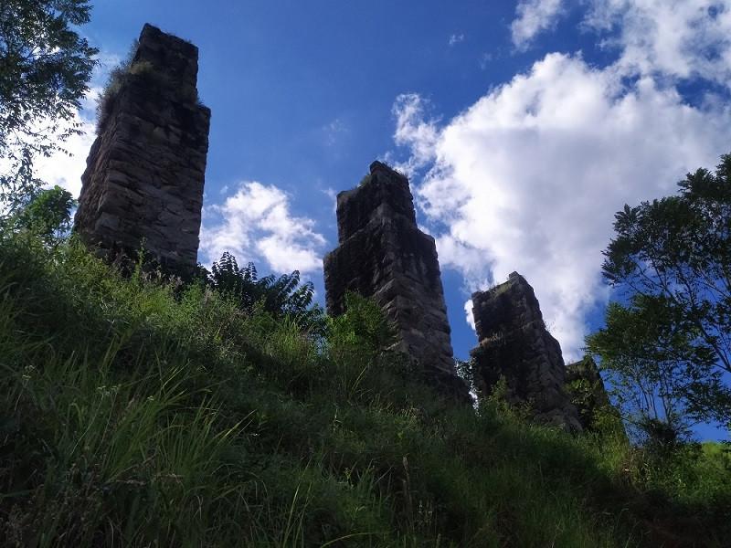 Ruínas da Ponte Seca, em Sumidouro