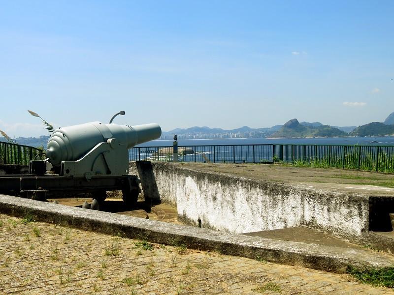 O canhã-vovô, que fez história no Exército Brasileiro, fica no Reduto São Teodósio, na Fortaleza de São João