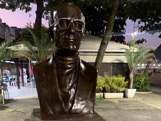 Busto de Abraham Medina é restaurado no Posto 6