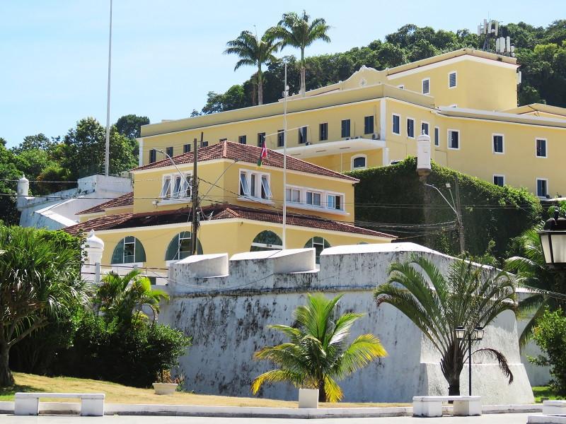 O muro de 1616 ainda está de pé na Fortaleza de São João