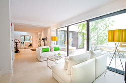 Sacha Jacq Interiors - Indoor/Outdoor Seating Area