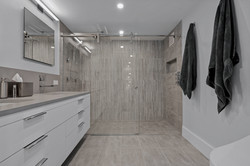 Sacha Jacq Interiors - Primary Bathroom