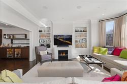 Sacha Jacq Interiors - Vibrant Sitting Room