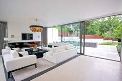 Sacha Jacq Interiors - Modern Living Room