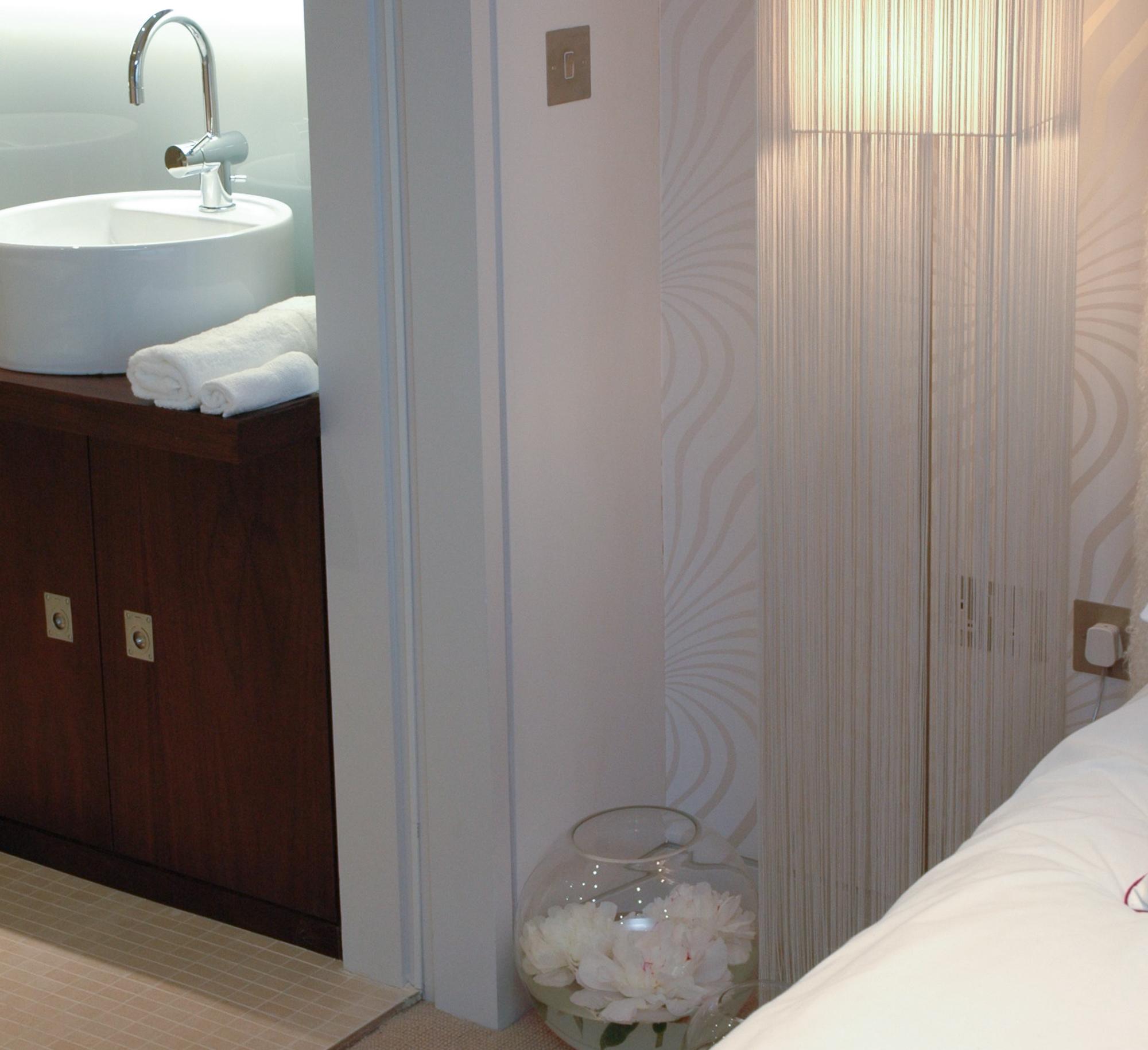 Master Bedroom -063-2