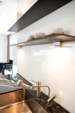 Sacha Jacq Interiors - Modern Kitchen