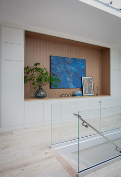 Sacha Jacq Interiors - Art wall - Photo Credit: Michael Lee Photography