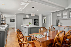 Sacha Jacq Interiors - Farmhouse Kitchen