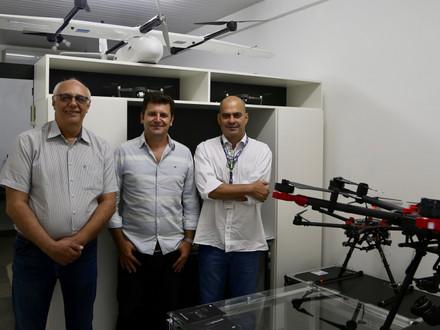 Visita dos Diretores do Instituto Triad, no Hub de Inovação Aeroespacial - HawkGeo