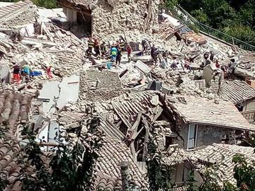 """Terremoto, cinque aree sotto controllo per fermare gli """"sciacalli"""""""