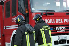 Giovane in difficoltà nel Castellano, soccorso in acqua e trasferito al pronto soccorso