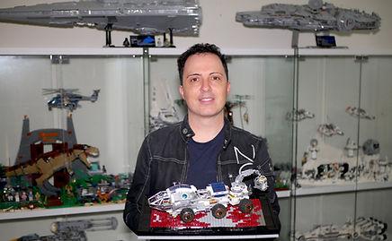 Steve with Mars Rover ASA.JPG