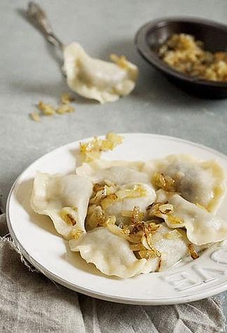 steamed-dumplings-on-plate-thumbnail.jpg