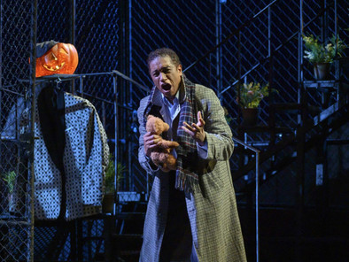 Mark S. Doss in Rigoletto | Robert Gainer in bachtrack