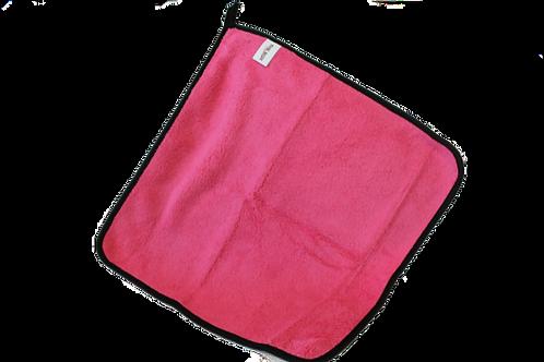 Pink light duty microfiber towel with hanging loop