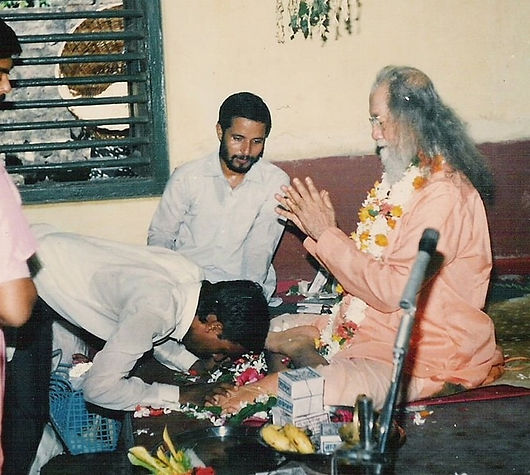Prajnanananda y Hariharananda.jpg