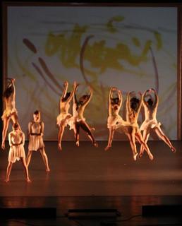 רוקדים ציור