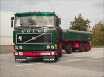 Volvo_F1220_Heuser_Anhänger.JPG