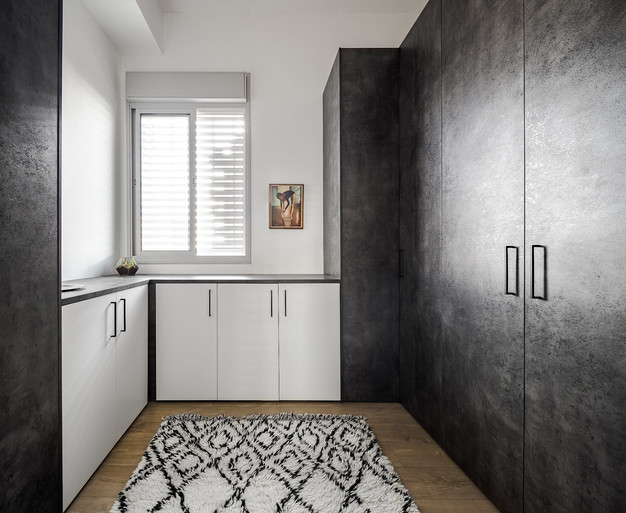 penthouse, closet room