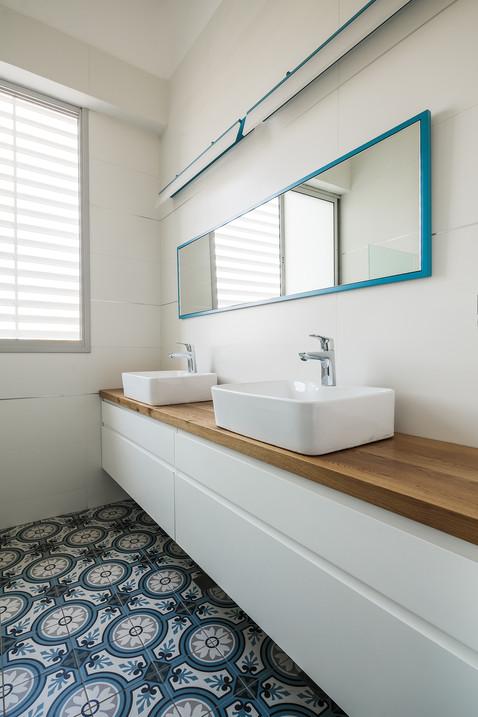 penthouse, bathroom