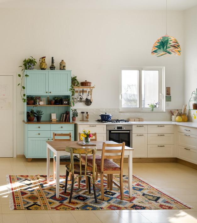 עיצוב המטבח, בית בעמק האלה