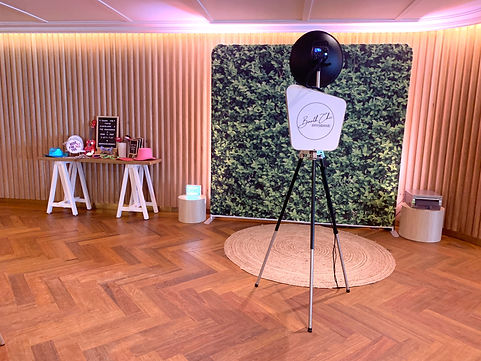 Booth Chic Brisbane Photo Booth with jute rug, hedge backdrop and props table